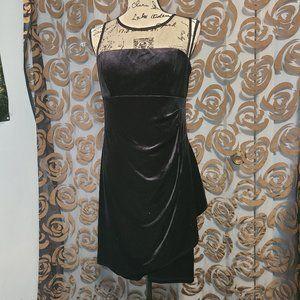 Scarlett Black Velvet Dress